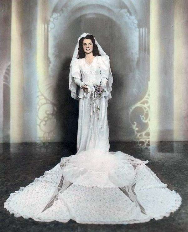 1940 Wedding Ideas: 1940s Wedding Dresses & Gowns