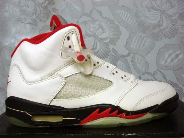 the latest be9c6 92113 Nike Air Jordan V (1990)