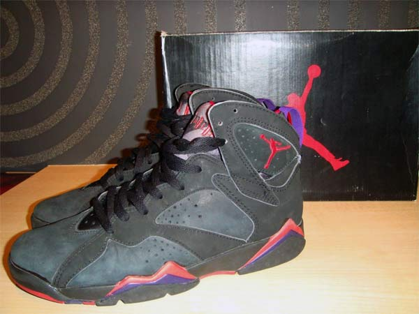 Nike Air Jordan Shoes  History   Pictures (1985-1999) 2fa3aa17d3