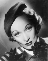3d2428390115a Marlene Dietrich and her tilted beret (1932)